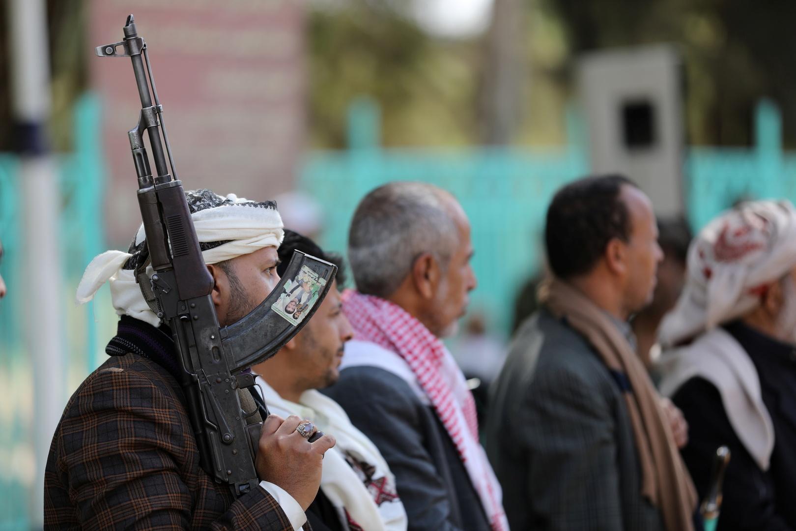 عناصر من قوات الحوثيين.