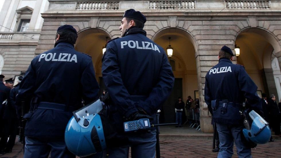 إيطاليا: وقف طبيب عن العمل طعّم أصدقاءه ضد كورونا