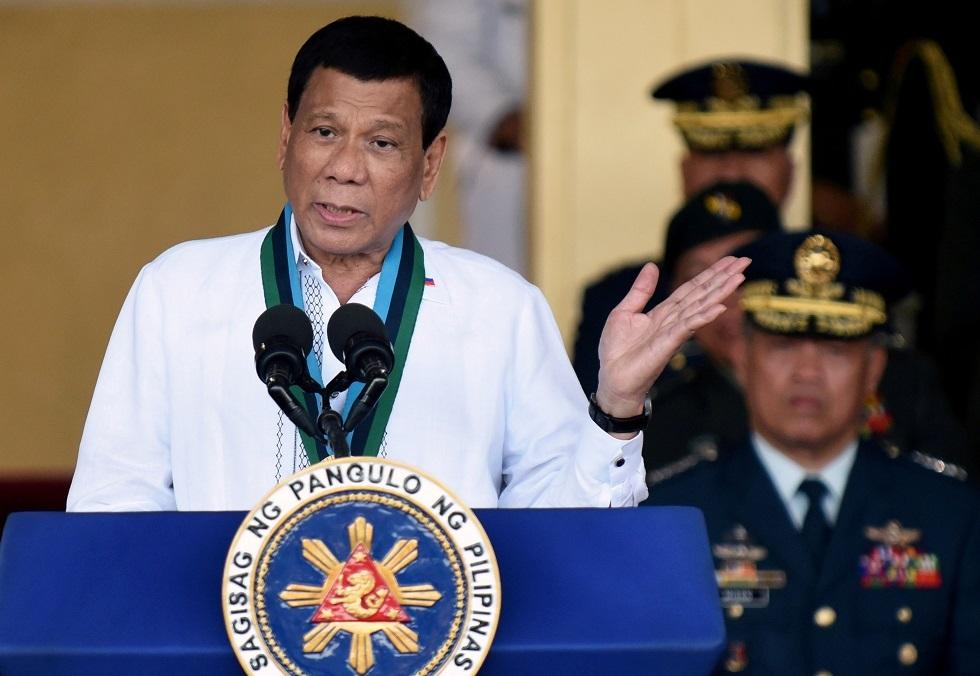 رئيس الفلبين: المرأة ليست أهلا للرئاسة