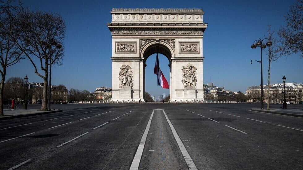 فرنسا تقدم موعد حظر التجول لمكافحة انتشار فيروس كورونا