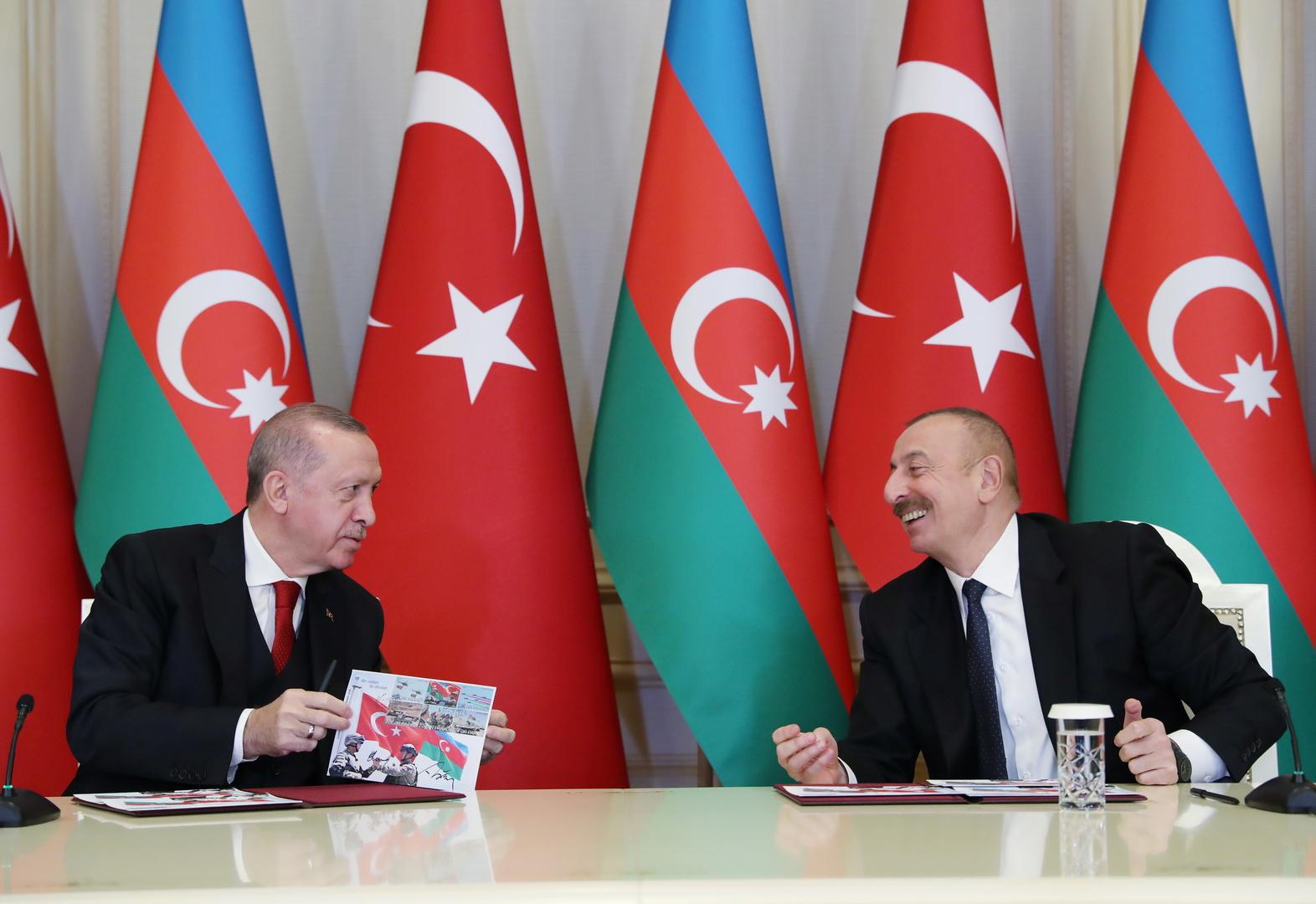 الرئيس الأذربيجاني إلهام علييف والرئيس التركي رجب طيب أردوغان