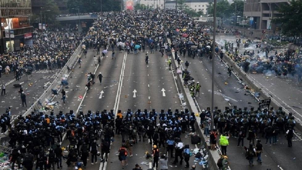 مواجهات بين المتظاهرين وقوات الامن في هونغ كونغ - أرشيف