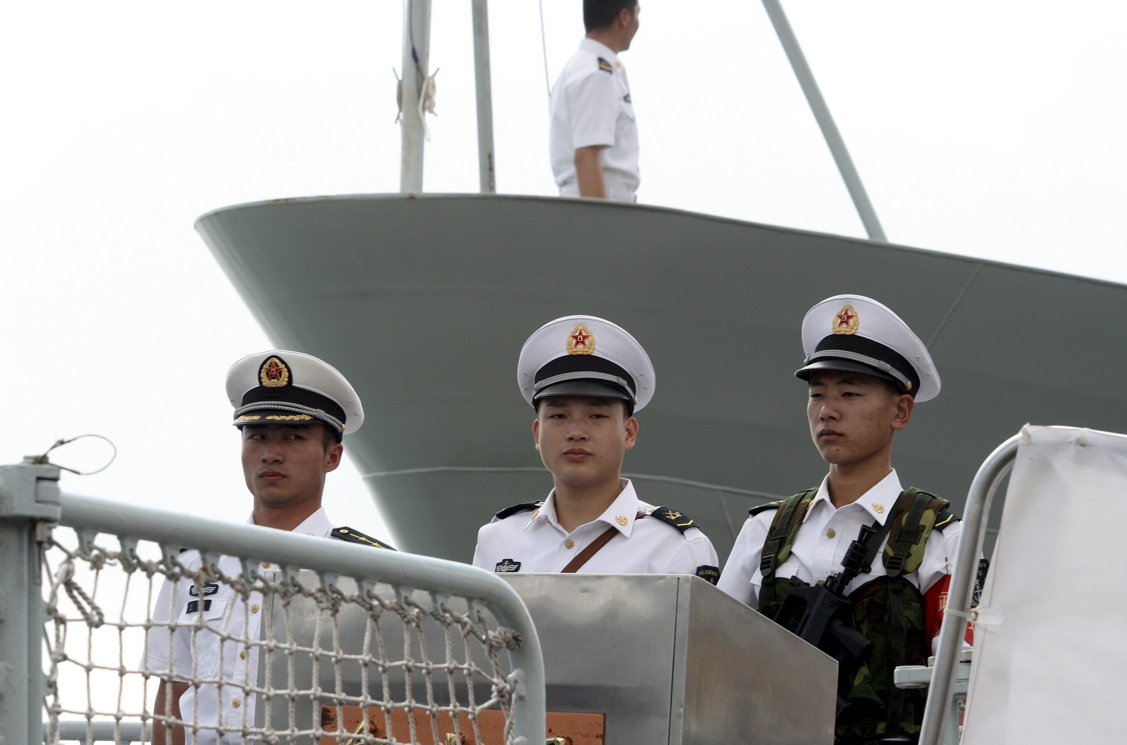 China sends a naval fleet on a mission to the Gulf of Aden