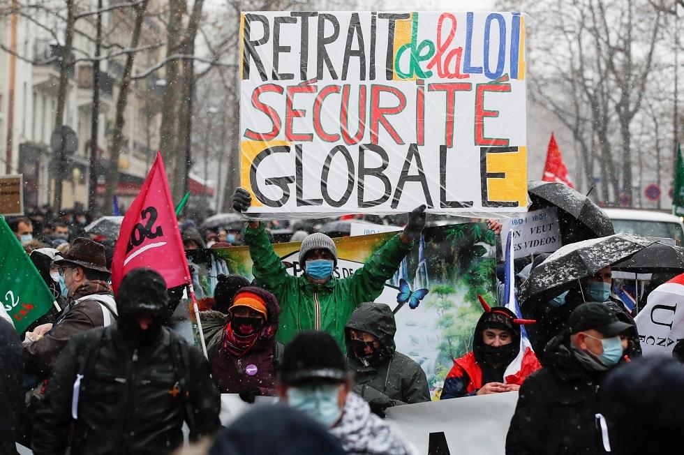 فرنسا.. مظاهرات منددة بقانون الأمن الشامل في 80 موقعا بالبلاد