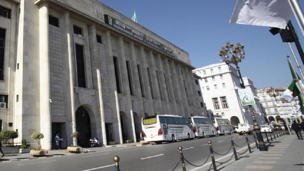 الجزائر.. تفاصيل جديدة في قضايا تبديد وزيرتين سابقتين المال العام