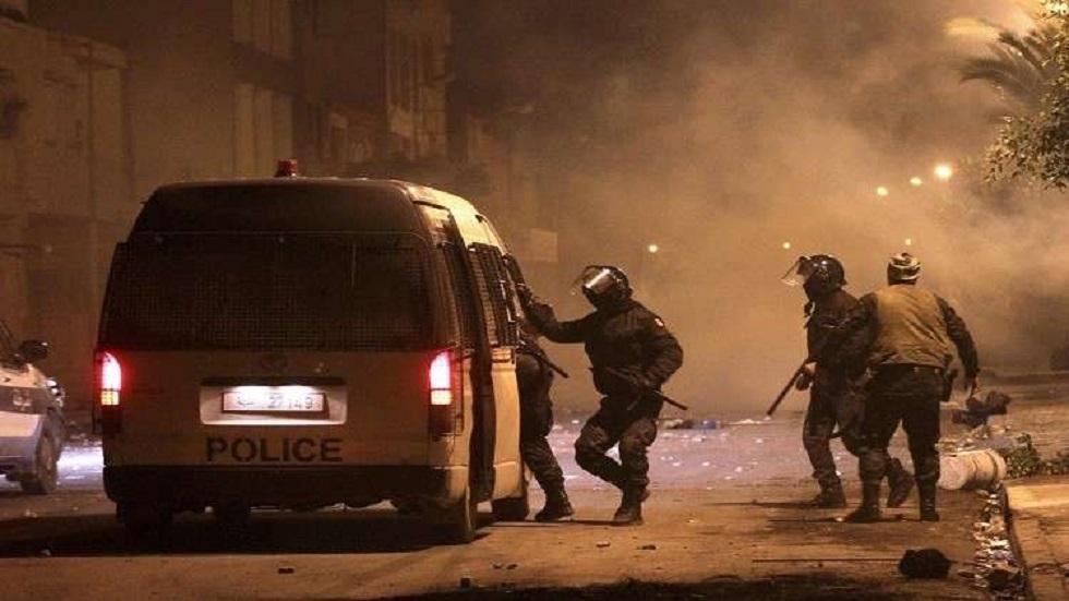 احتجاجات عنيفة بتونس تندد بتردي الأوضاع الاقتصادية (صور + فيديو)