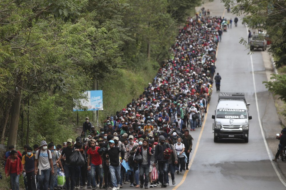 Guatemala tries to block a flood of crawlers towards the US border