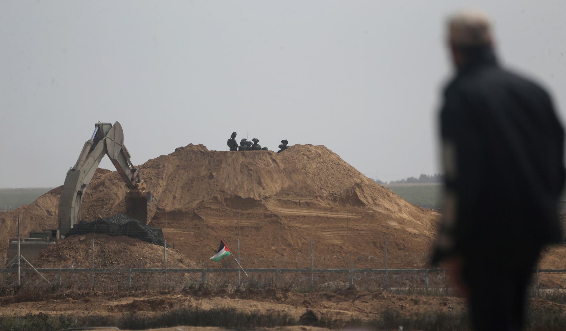 آليات إسرائيلية تتوغل بشكل محدود جنوب غزة