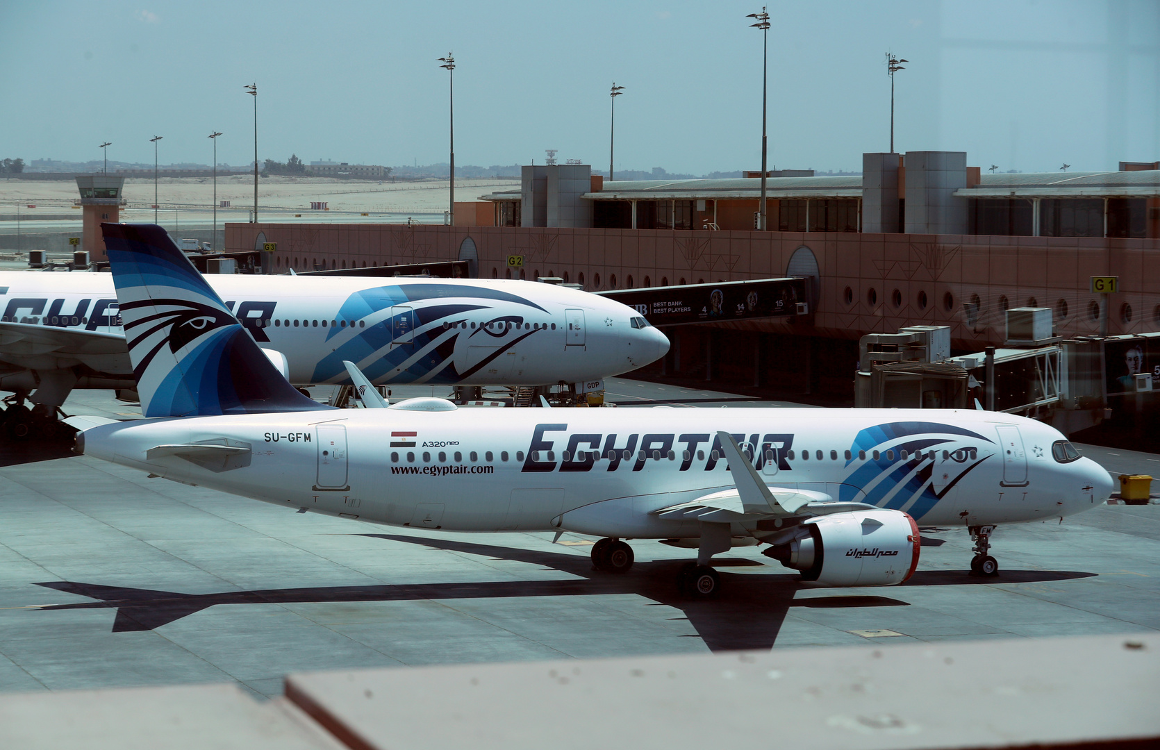إقلاع أول رحلة طيران ركاب من مصر إلى قطر