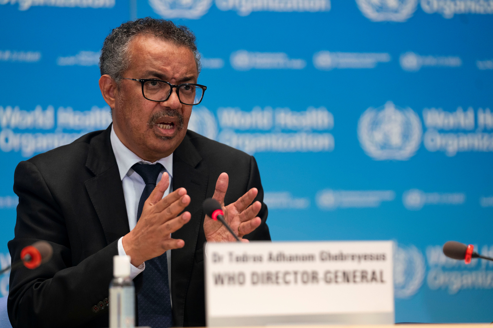 مدير منظمة الصحة العالمية: العالم على شفا