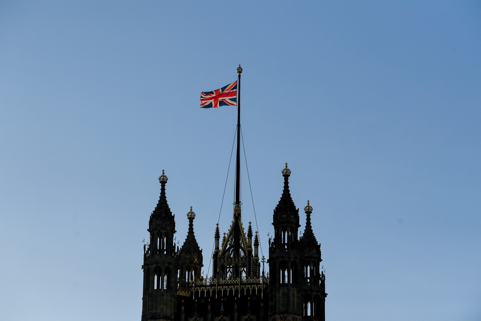 بريطانيا تعبر عن