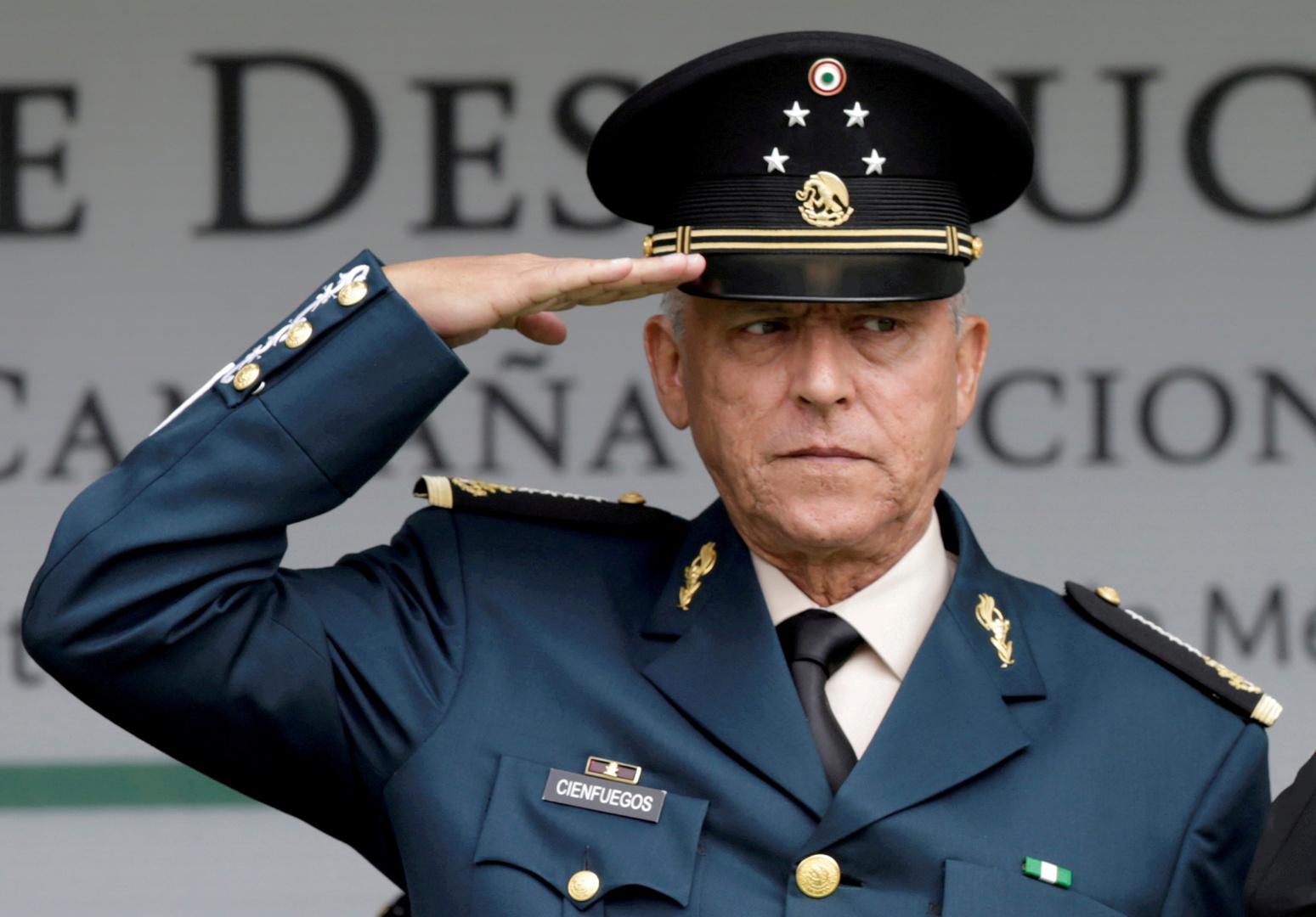 وزير الدفاع المكسيكي السابق سلفادور سيينفويغوس