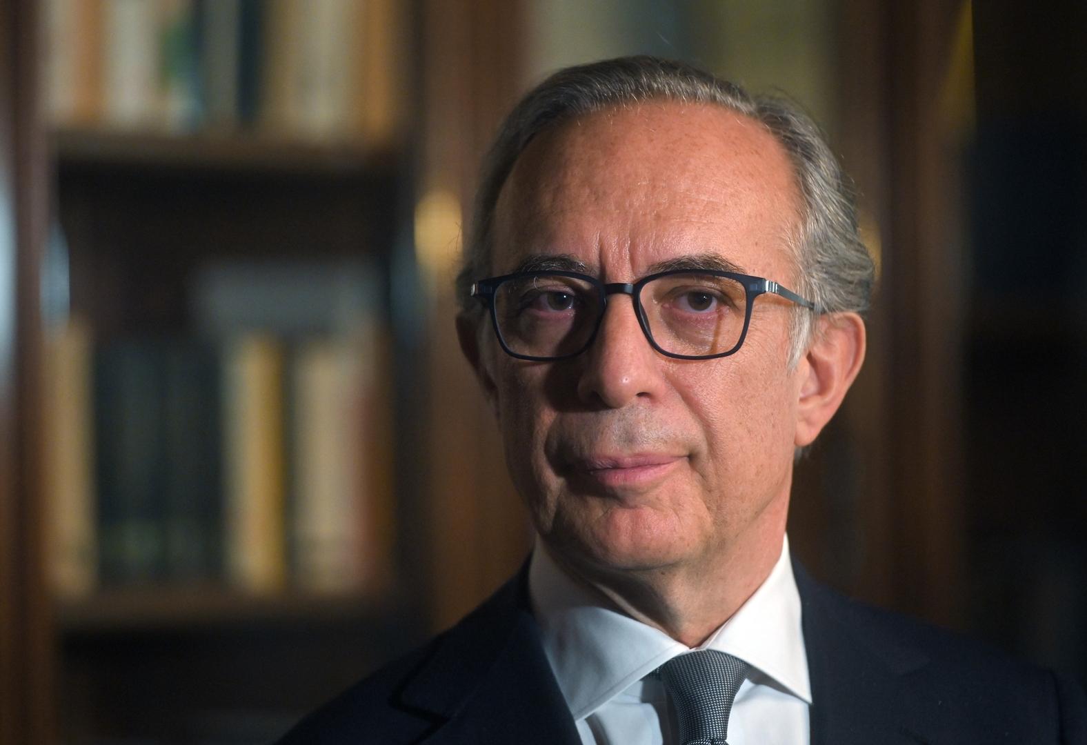 السفير الإيطالي بموسكو يتلقى لقاح