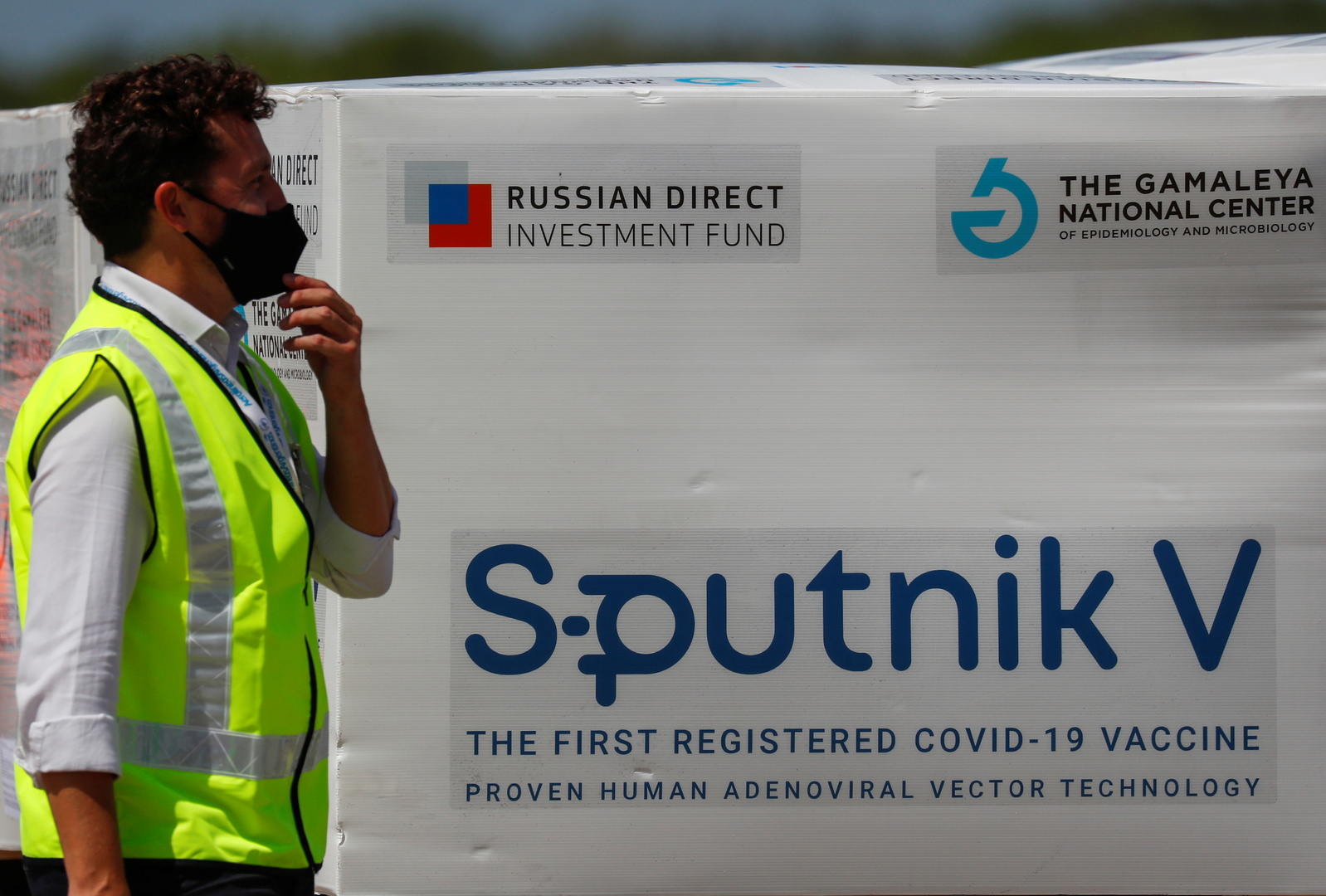 شحنة من لقاح سبوتنيك في الروسي، صورة تعبيرية من الأرشيف