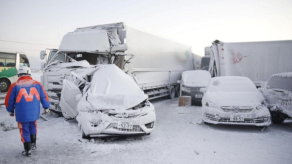 مقتل شخص وتصادم أكثر من 130 سيارة على طريق سريع في اليابان