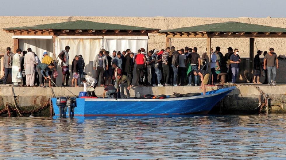 وصول قوارب المهاجرين إلى جزيرة لامبيدوزا بإيطاليا - أرشيف