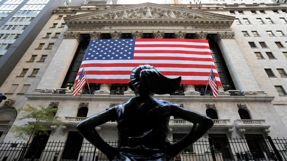 ذروة قياسية للأسهم الأمريكية وسط قفزة نتفلكس وتنصيب بايدن