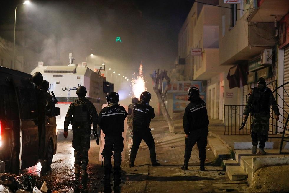 وزير الدفاع التونسي: عناصر إرهابية تسعى لاستغلال الاحتجاجات