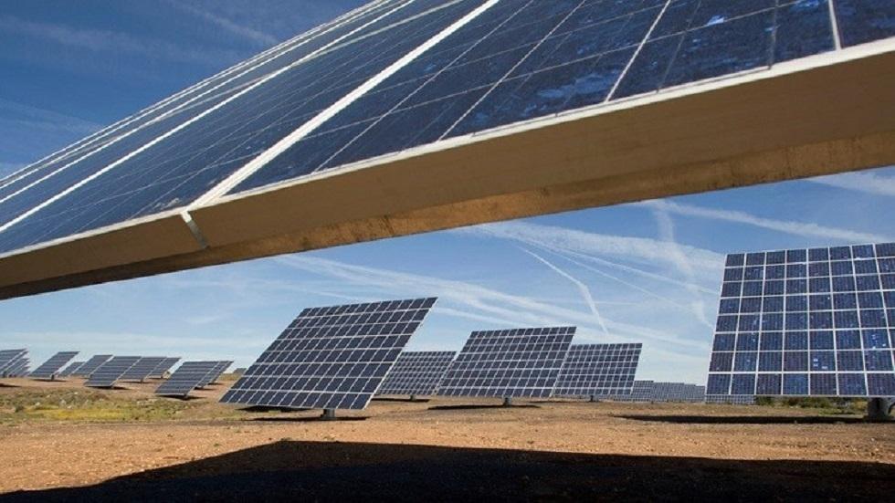 حقول انتاج الطاقة الشمسية