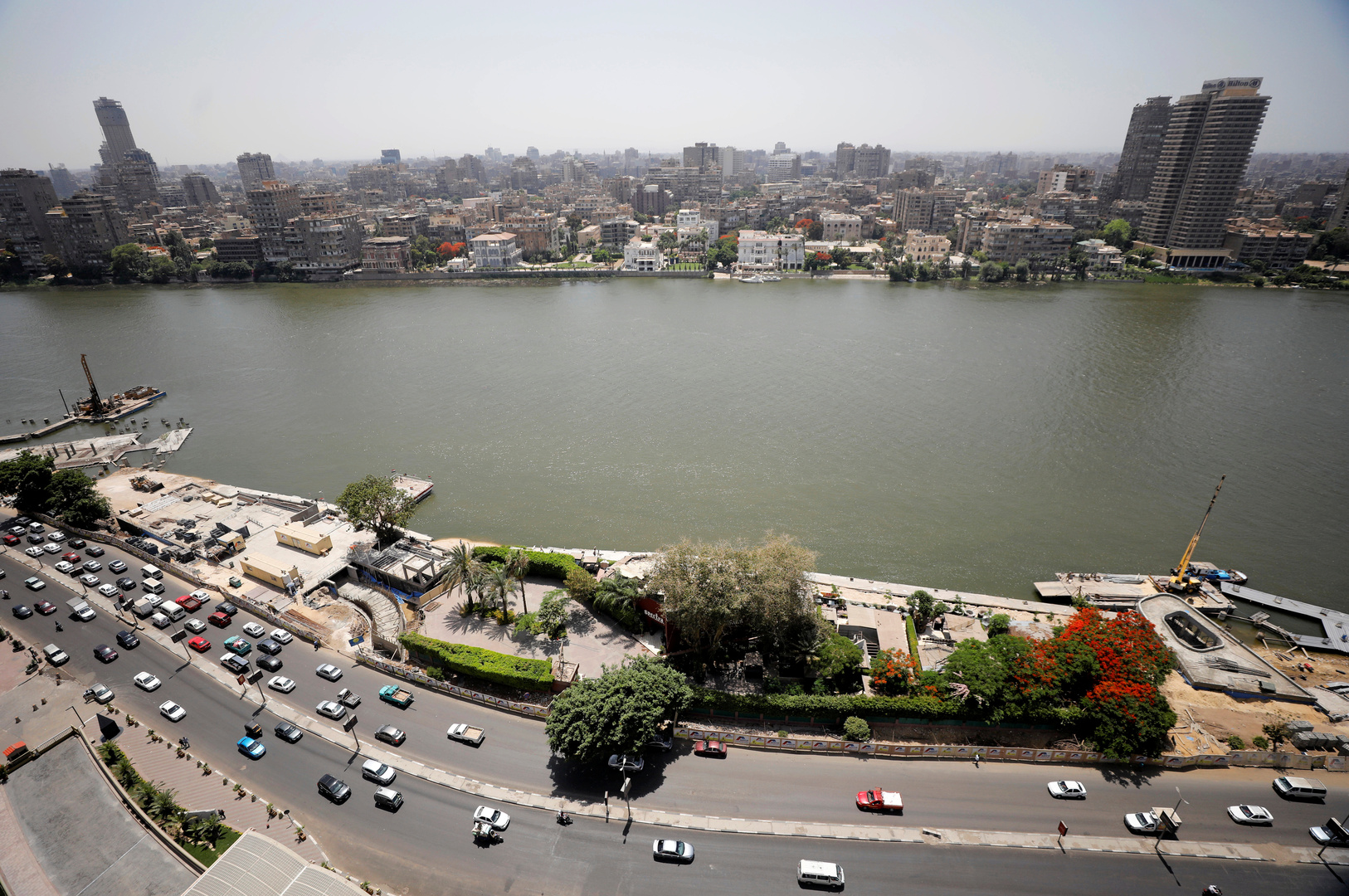 مصر.. ضبط مواطن وزوجته عرضا طفلتهما للبيع عبر