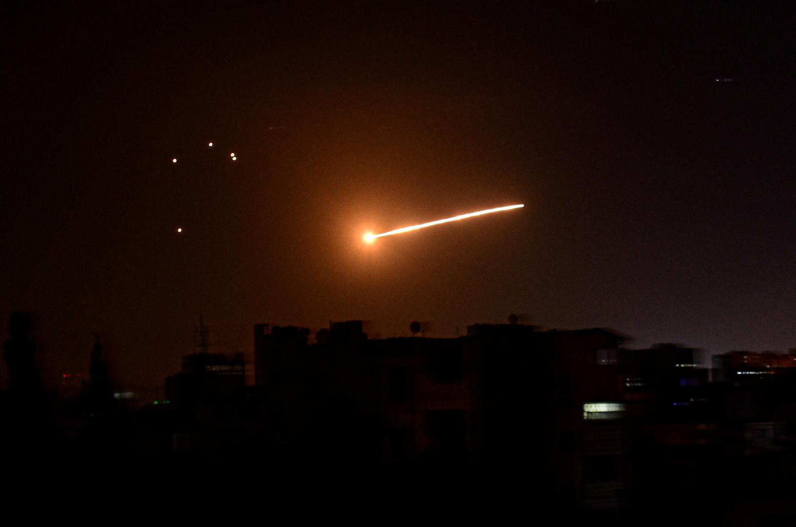 الطيران الإسرائيلي يستهدف مواقع في محافظة حماة السورية