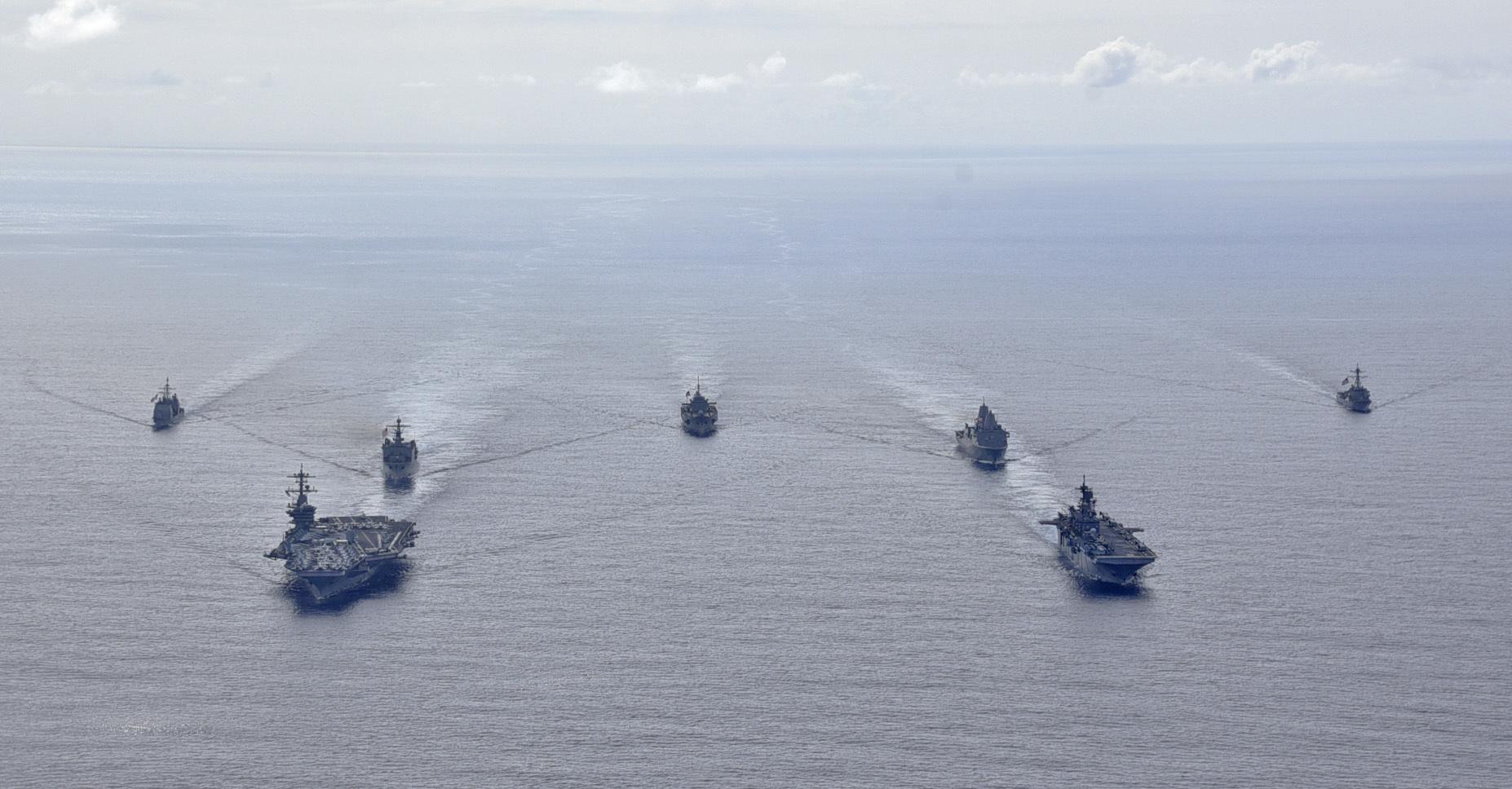 مجموعة حاملة طائرات أمريكية تدخل بحر الصين الجنوبي وسط توتر بسبب تايوان