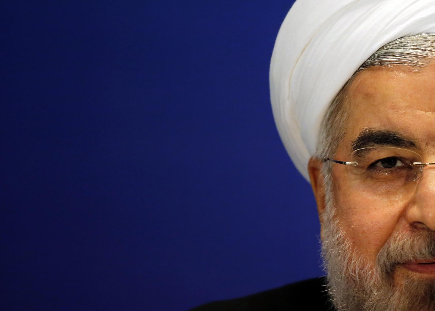 بعد اتهامه على المباشر بتعاطي المخدرات.. التلفزيون الإيراني يعتذر من روحاني