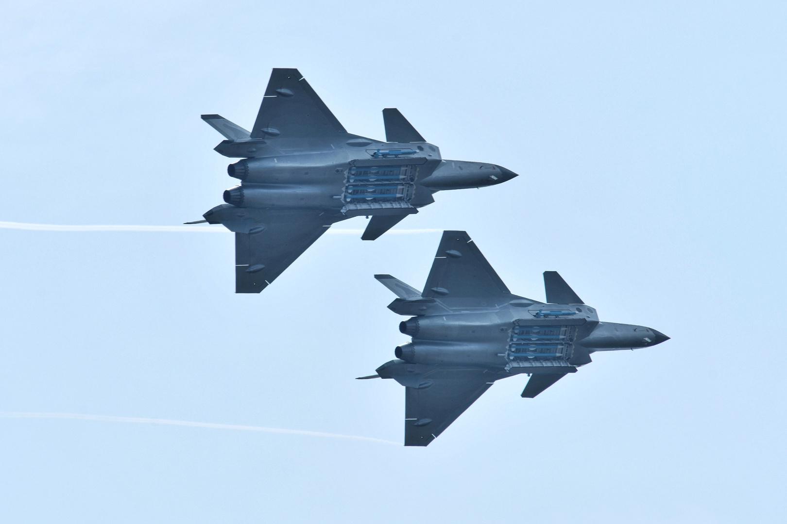 تايوان تتهم الصين لليوم الثاني بخرق أجوائها عقب وصول حاملة طائرات أمريكية إلى المنطقة