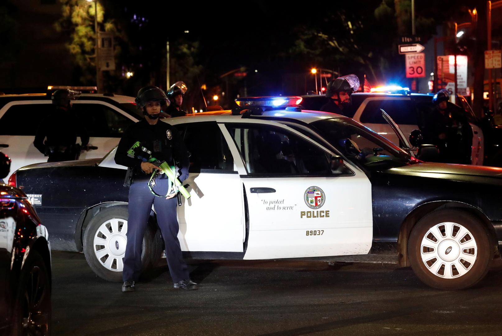 عناصر وسيارات تابعة لشرطة لوس أنجلوس