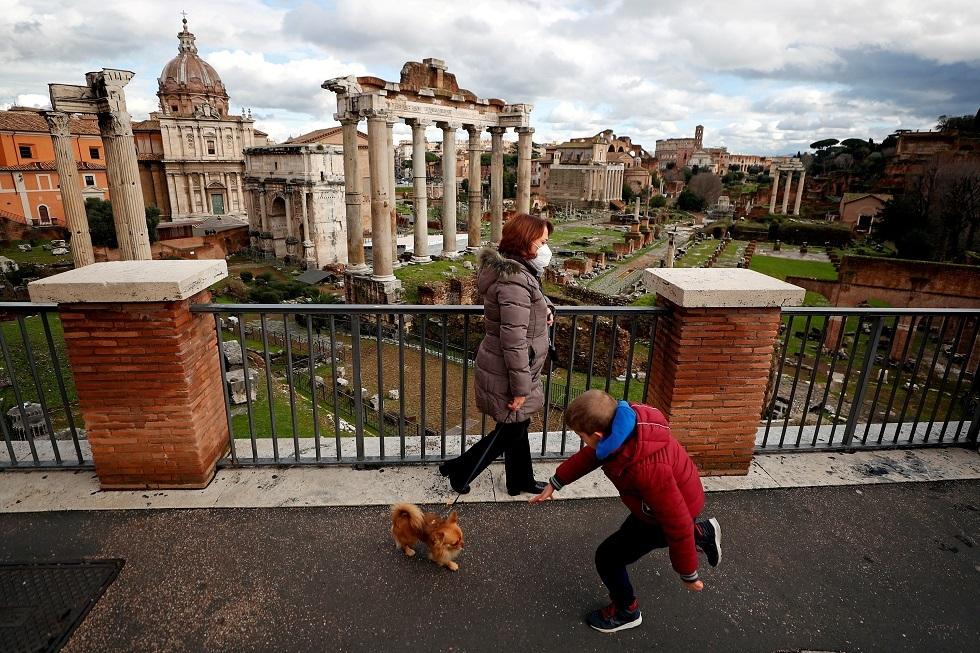 إيطاليا تسجل انخفاضا في الوفيات والإصابات الجديدة بكورونا