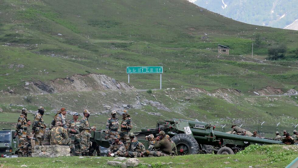 عناصر من الجيش الهندي قرب الحدود مع الصين.
