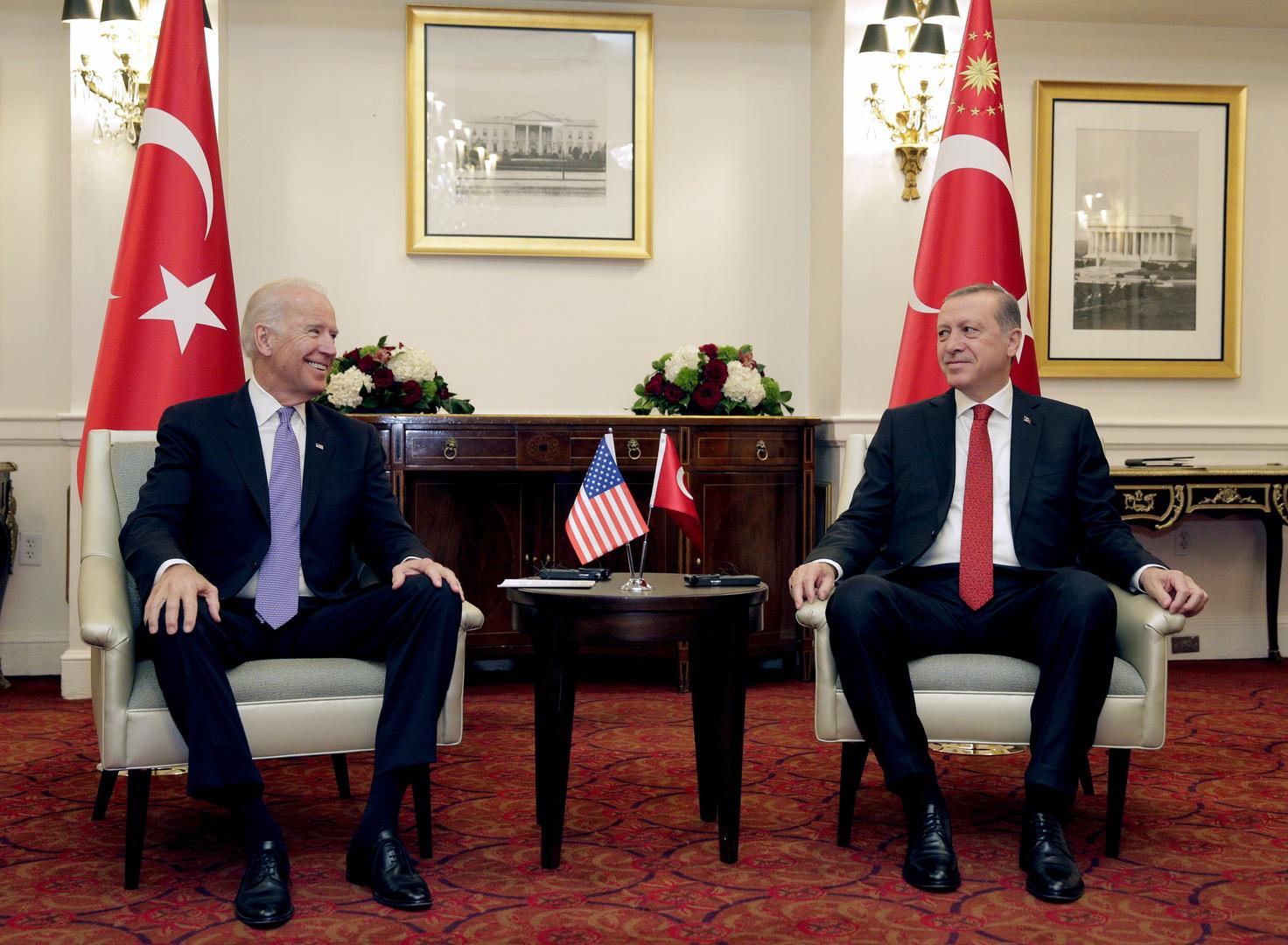 خبير تركي: في عهد بايدن قد تظهر خلافات جديدة بين أنقرة وواشنطن