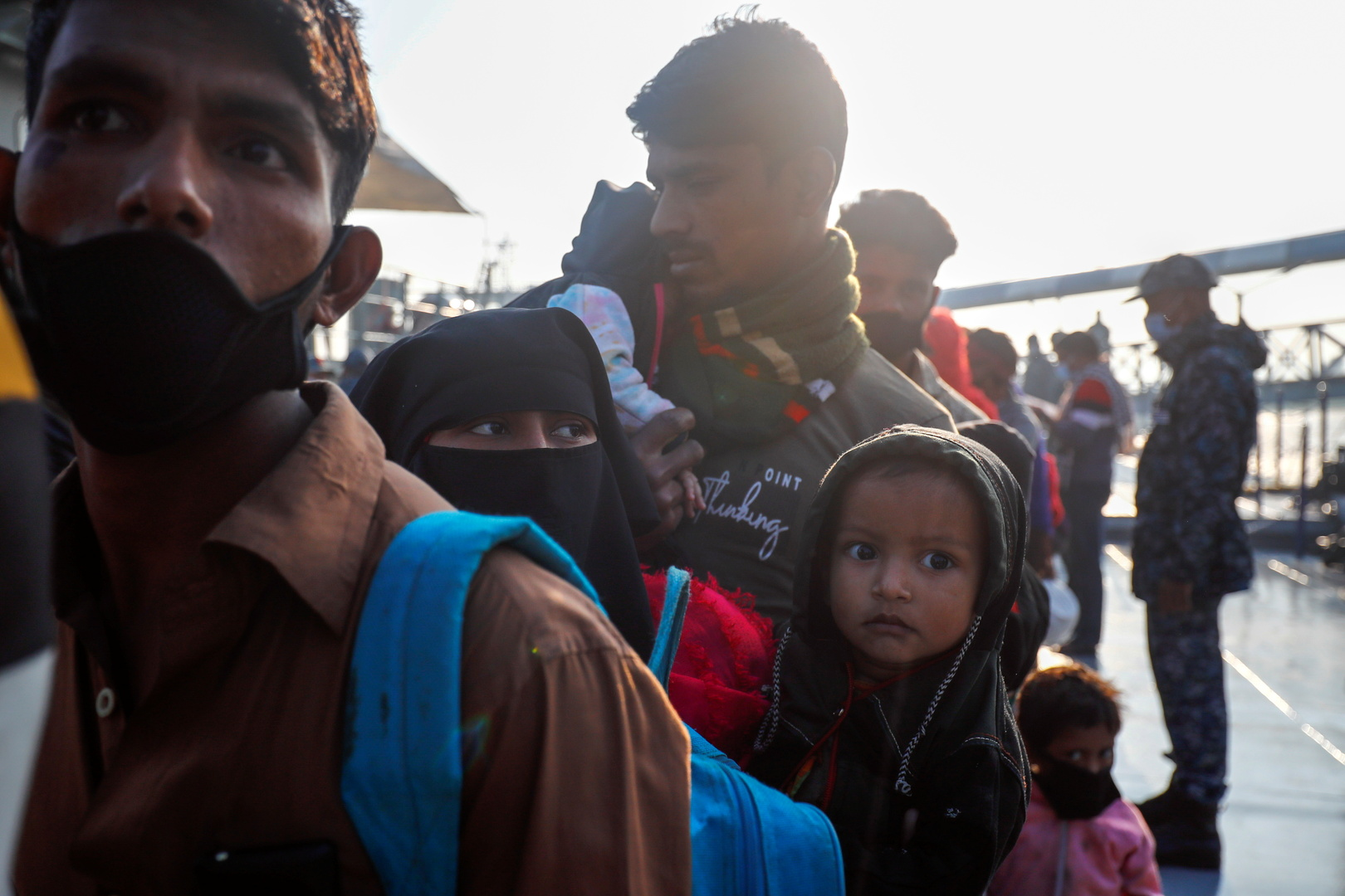 مسؤول: بنغلادش تنقل نحو 3 آلاف لاجئ من الروهينغا إلى جزيرة نائية هذا الأسبوع