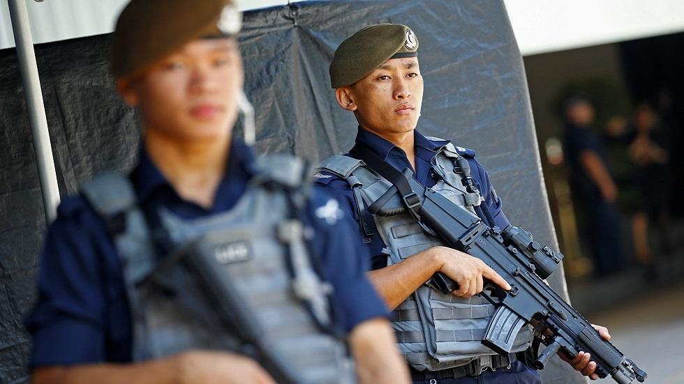 سنغافورة تحتجز فتى لاعتزامه الهجوم على مسجدين
