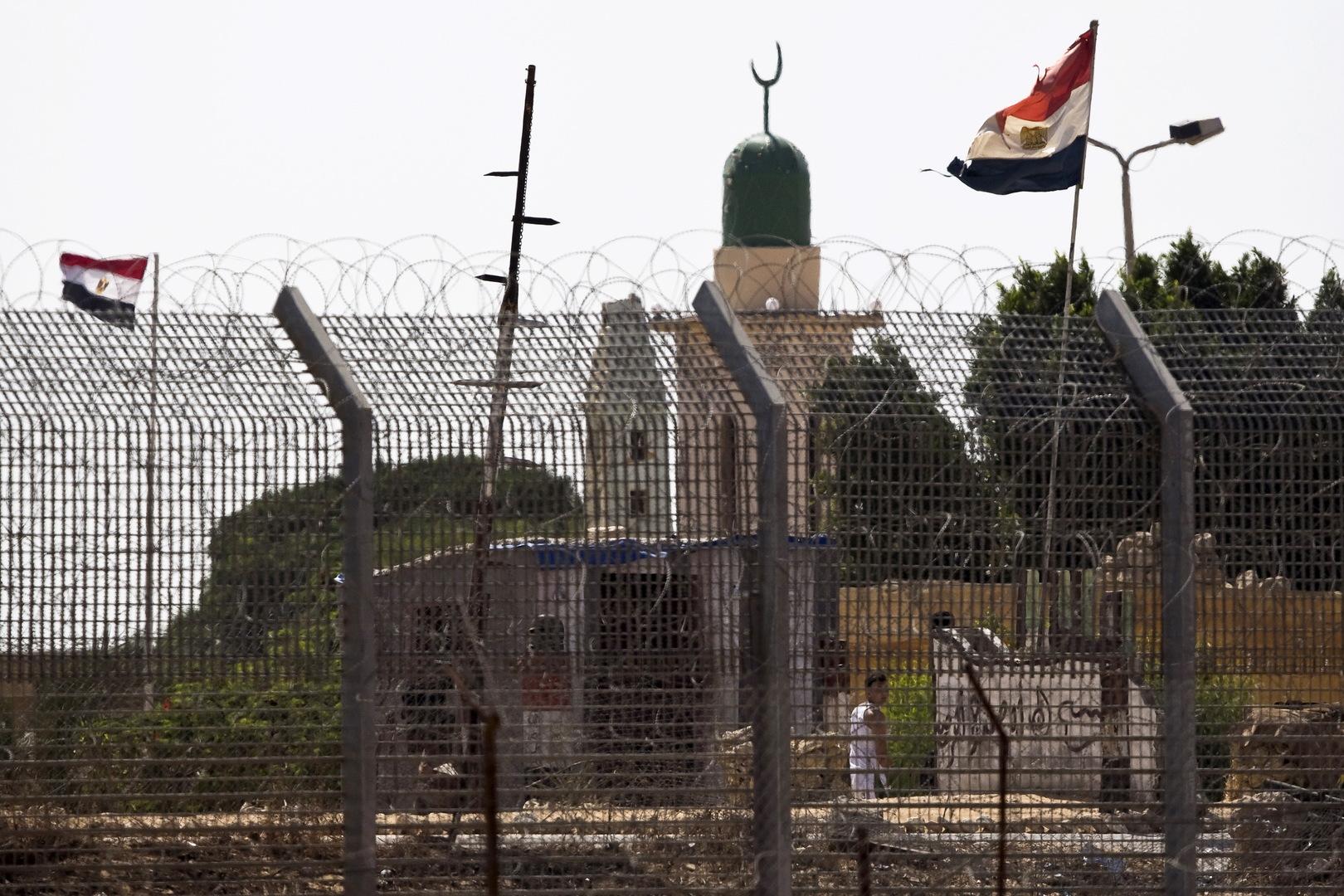 إسرائيل تغلق معابرها مع مصر والأردن