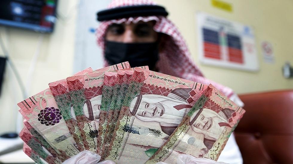 تحويلات الوافدين بالسعودية ترتفع إلى 39,9 مليار دولار في عام 2020