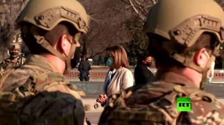 بالفيديو... بيلوسي ترحب بعناصر الحرس الوطني الأمريكي أمام مبنى الكونغرس