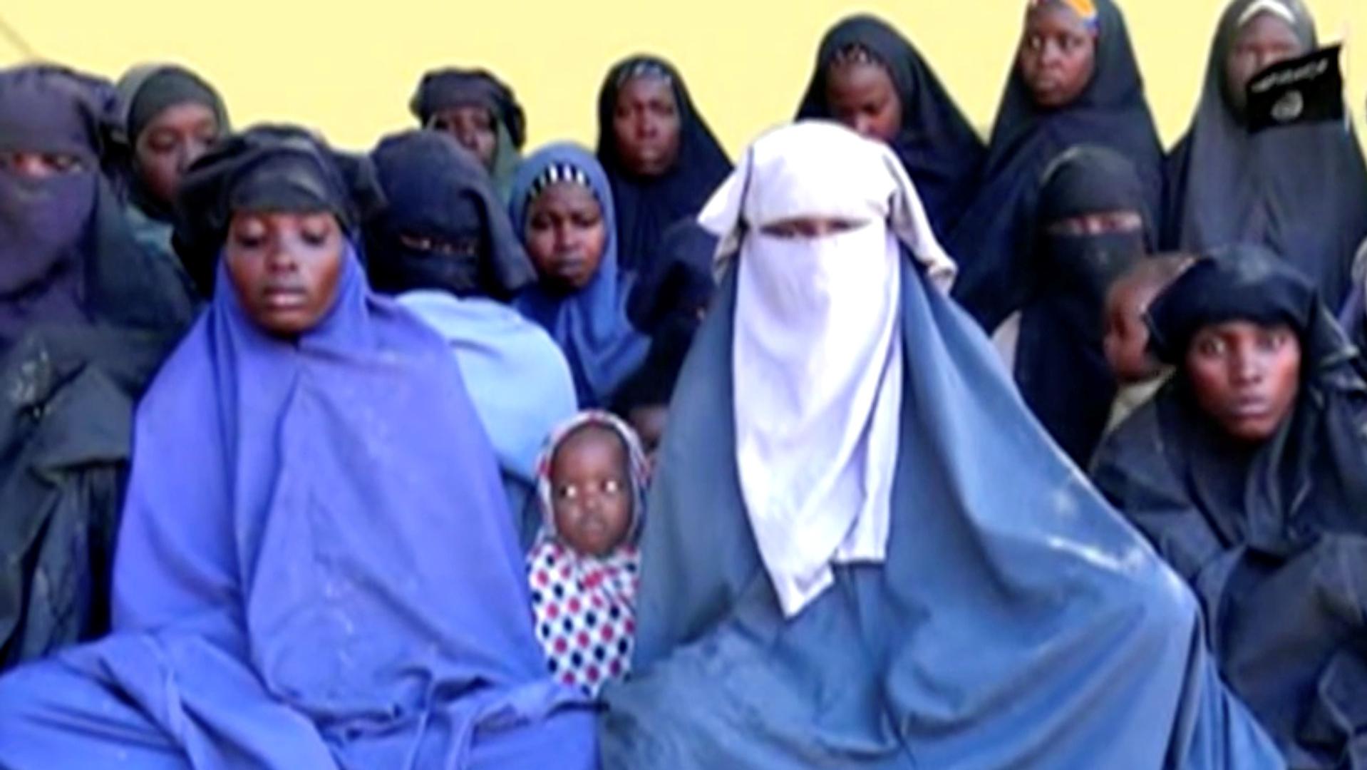 نيجيرية تتصل بوالدها بعد 7 سنوات من اختطافها