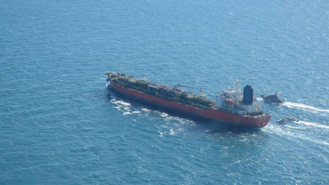 إيران تسمح لطاقم السفينة الكورية الجنوبية المحتجزة بالمغادرة