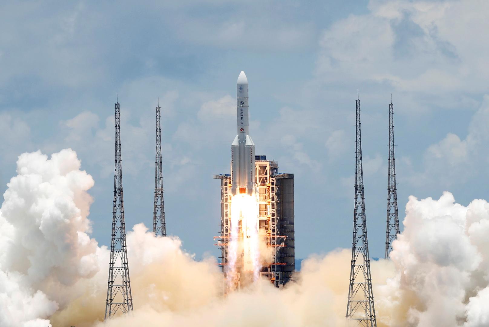 مسبار صيني خاص بدراسة المريخ يرسل للأرض أولى صوره للكوكب الأحمر(صورة)