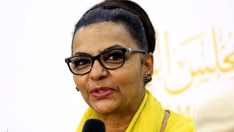 القائمة بأعمال وزير المالية السوداني هبة محمد علي
