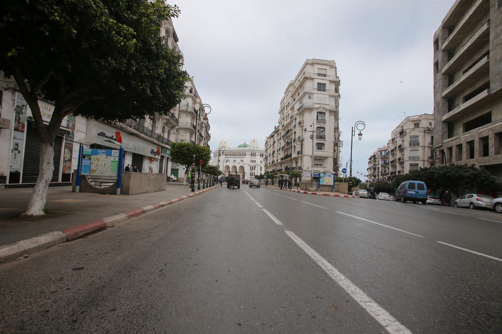 شارع ديدوش مراد وسط مدينة الجزائر.
