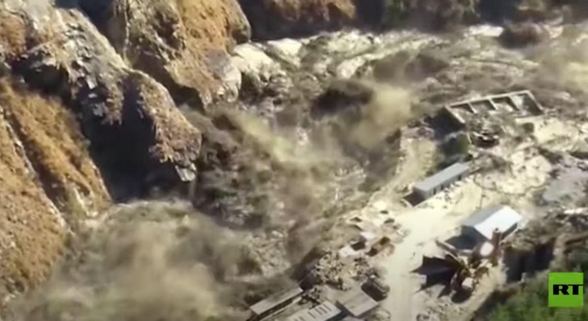 مشاهد من كارثة انهيار جليدي في الهند.. عدد الضحايا تجاوز المئة