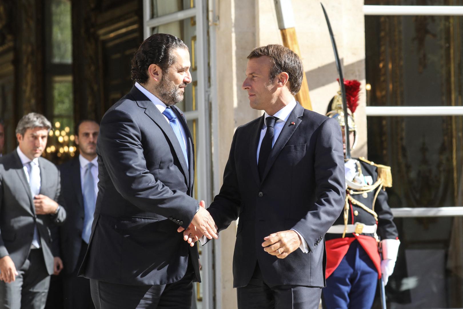 ماكرون يبحث مع الحريري الصعوبات التي تعترض تشكيل الحكومة اللبنانية