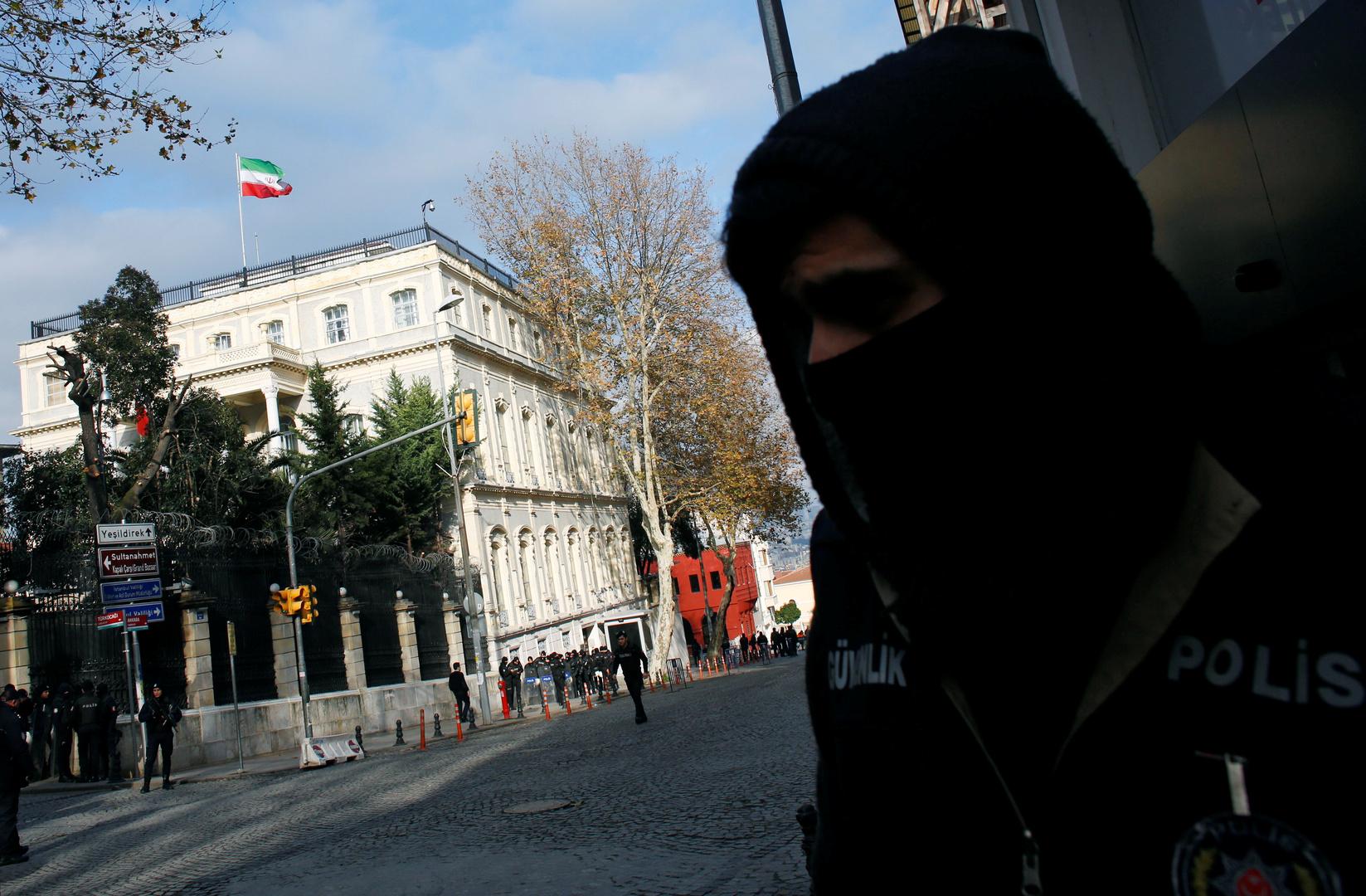 طهران تنفي اعتقال أي من موظفي القنصلية الإيرانية في اسطنبول