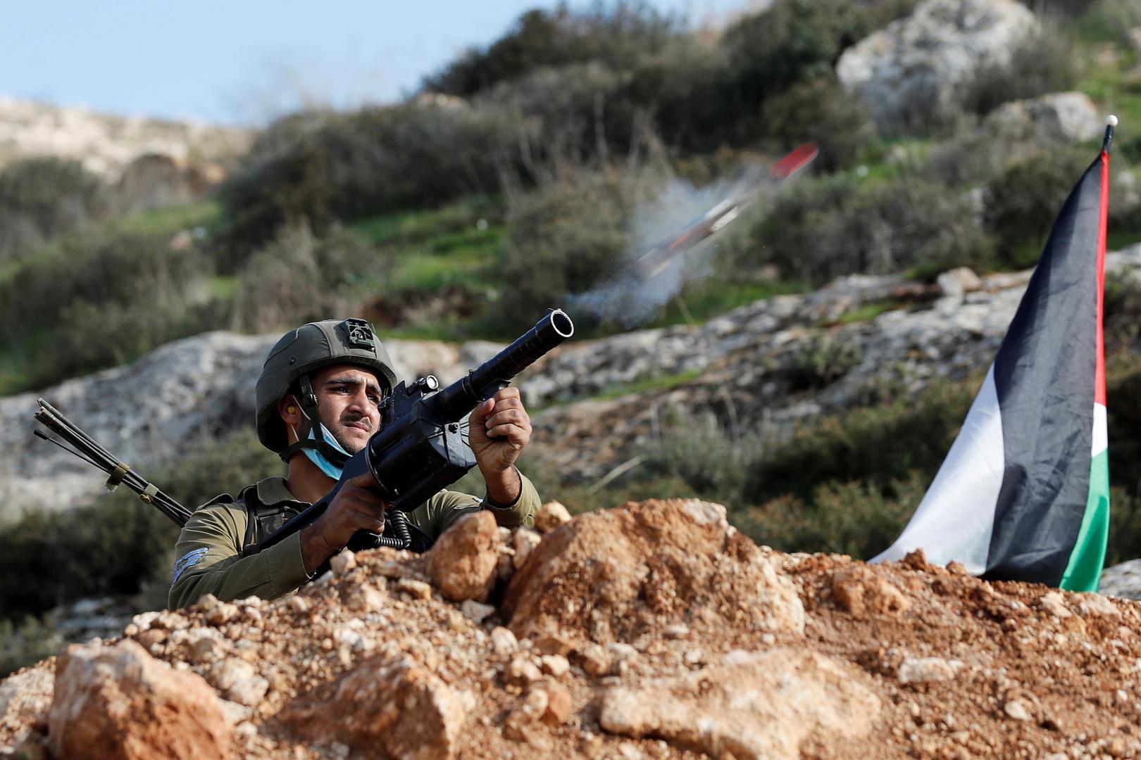 إصابات بالاختناق إثر قمع الجيش الإسرائيلي مسيرة شرق رام الله