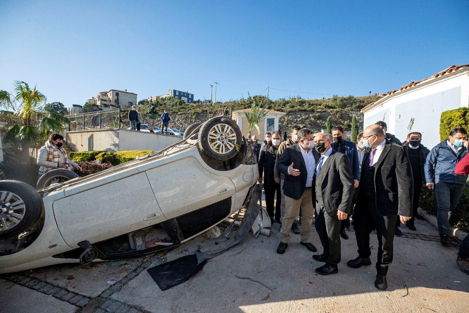 إعصار يجتاح منتجعا تركيا وحاكم إزمير يقول إنه