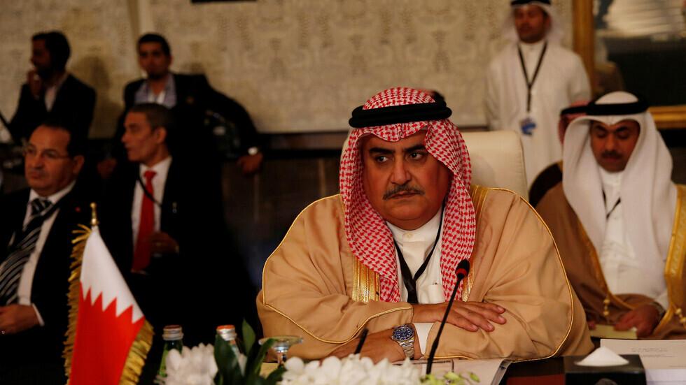 مستشار ملك البحرين يهاجم قطر