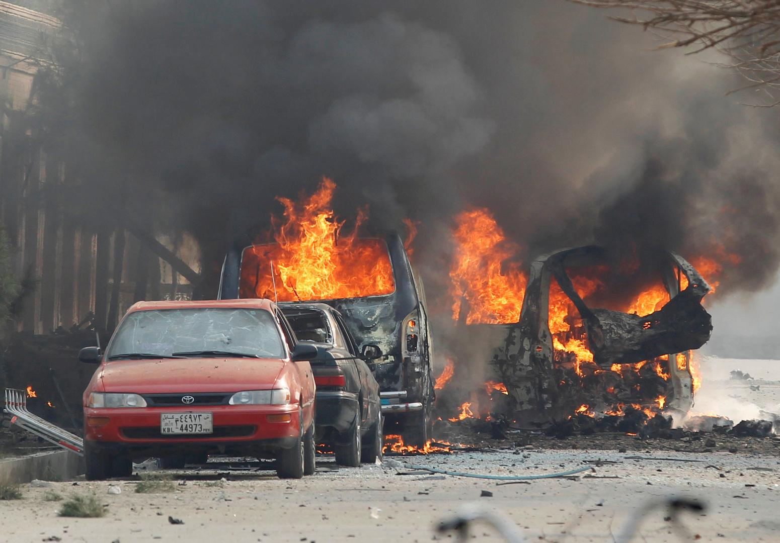 عشرات ناقلات الوقود تحترق بظروف غامضة في أفغانستان قرب الحدود الإيرانية
