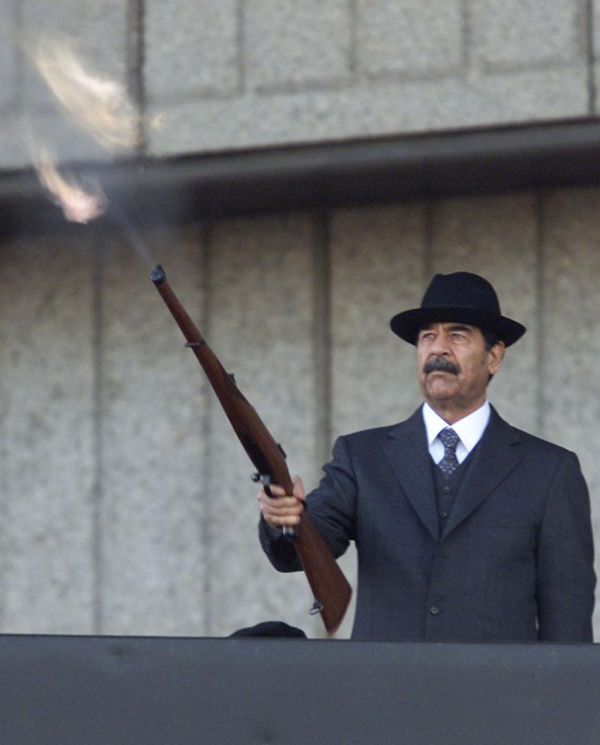 الرئيس العراقي صدام حسين.